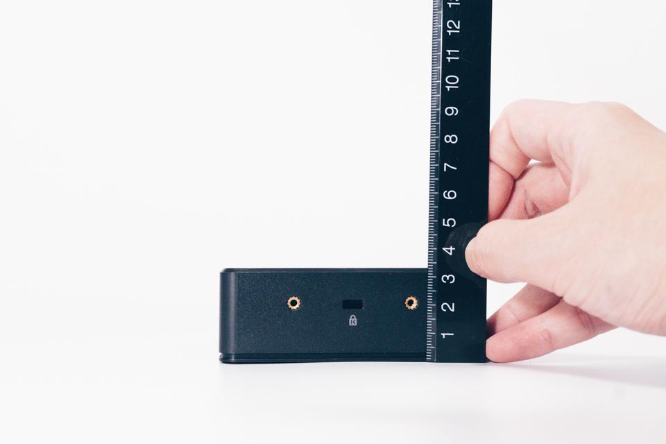 Belkin USB-Cデュアルディスプレイドッキングステーション本体サイズ