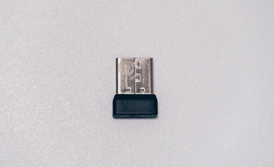 ロジクール M590に付属のUnifyingレシーバーサイズ