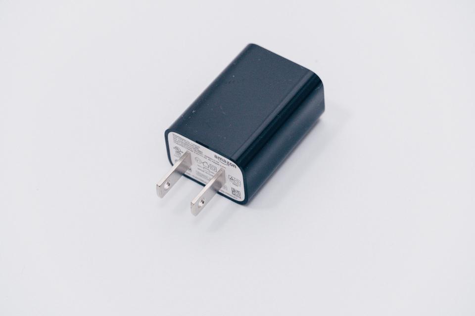 Fire TV Stick 4K付属の電源アダプター