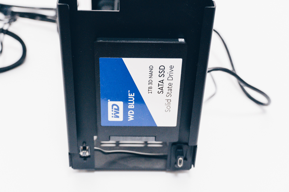 A4-SFXにWD Blue 3D NAND SATA WDS100T2B0Aを取り付け