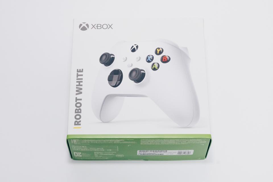 Xbox ワイヤレスコントローラーのパッケージ